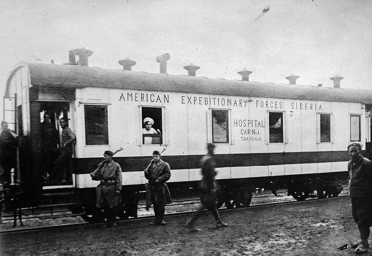 Санитарный вагон американских войск в Хабаровске.