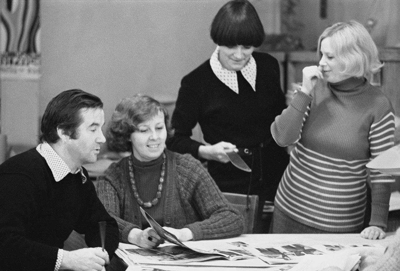 Leningrad, Jan. 26, 1977. Fashion house designers discuss a garment collection.