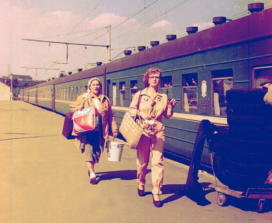 Nonna Mordyukova and Svetlana Kryuchkova in 'Family Relations'.