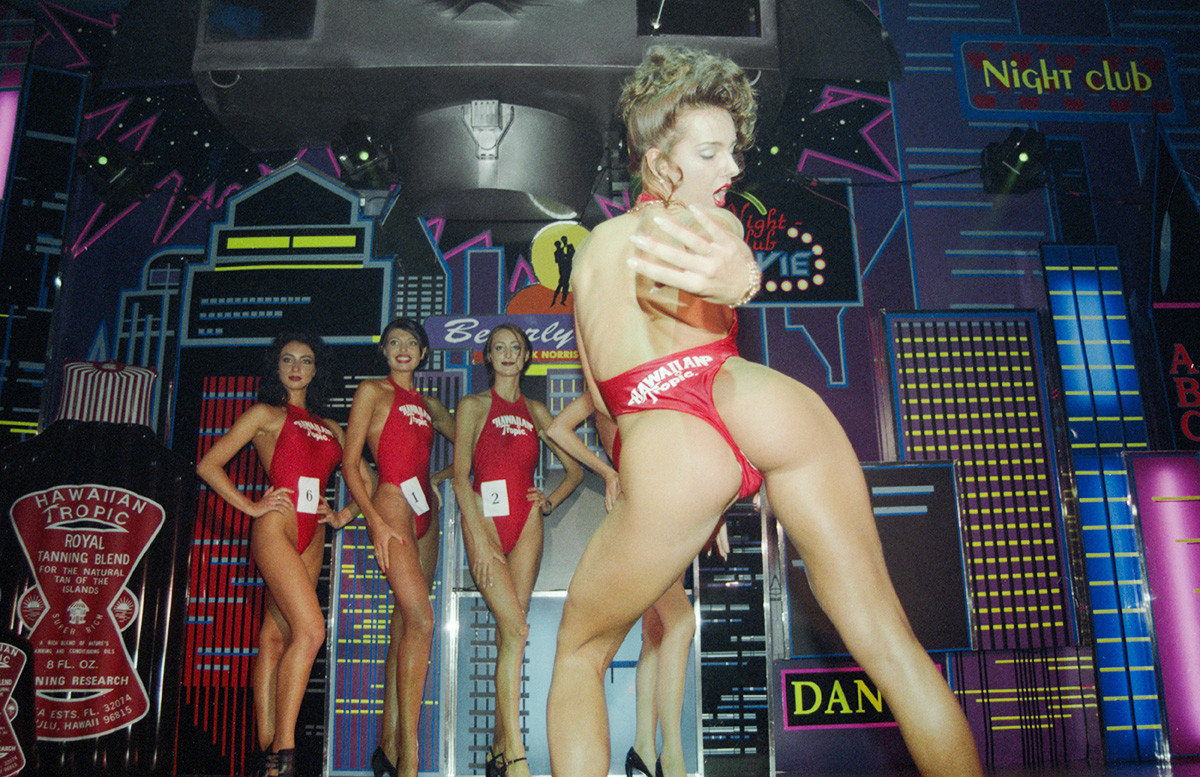 August 27, 1997. An erotic dance at the Miss Hawaiian Tropic contest show finals in Beverly Hills club.
