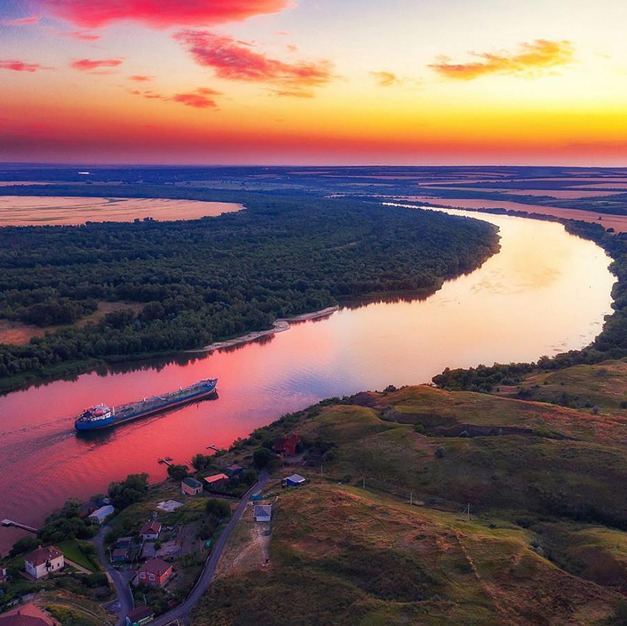 ロストフ州、ドン川の日没