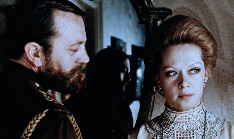 Alisa Freindlich in Anatolij Romašin v filmu