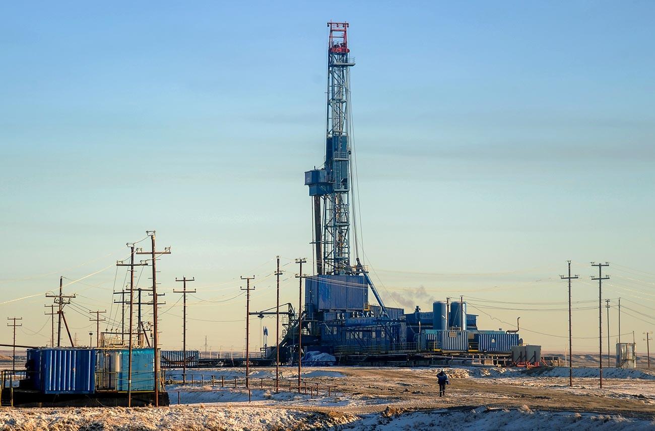 Kilang pengeboran gas di Yamal.