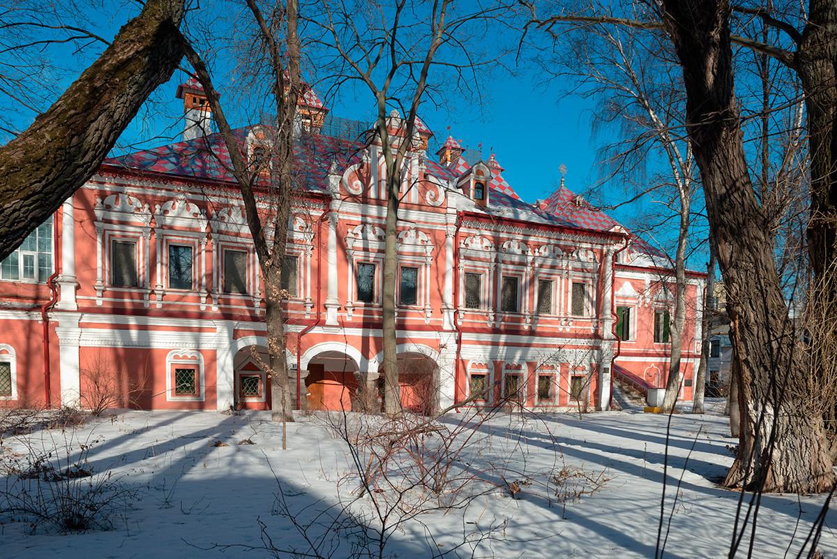 Un palazzo nobiliare in via Bolshoj Kharitonevskij, Mosca