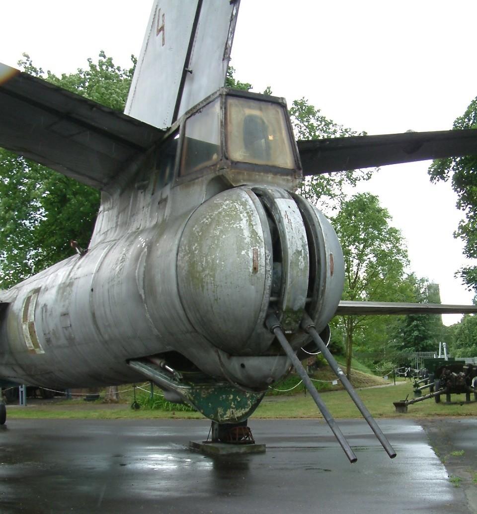 Torre traseira de IL-28 mantido no Museu do Armamento de Poznan, na Polônia