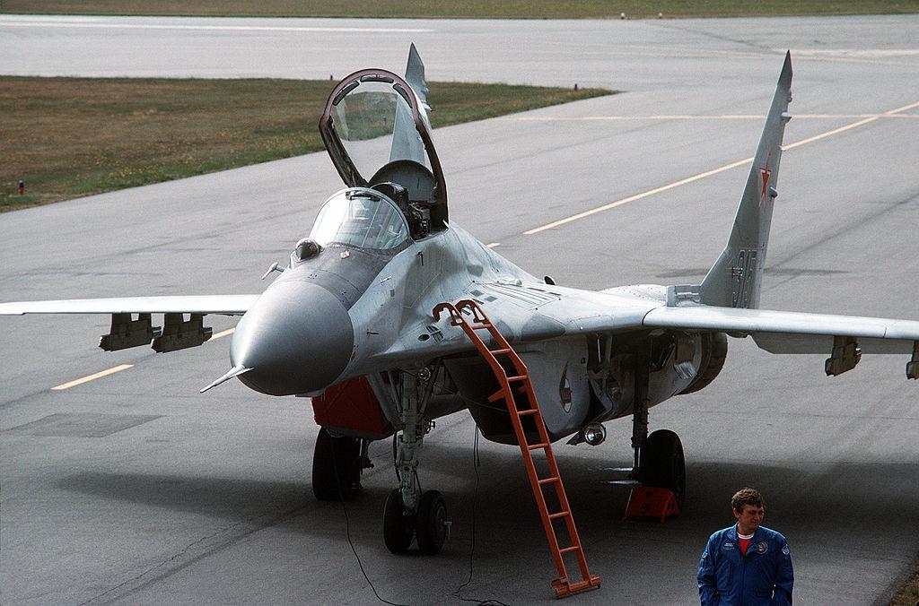 MiG-29 fotografiado en 1989 en el Reino Unido