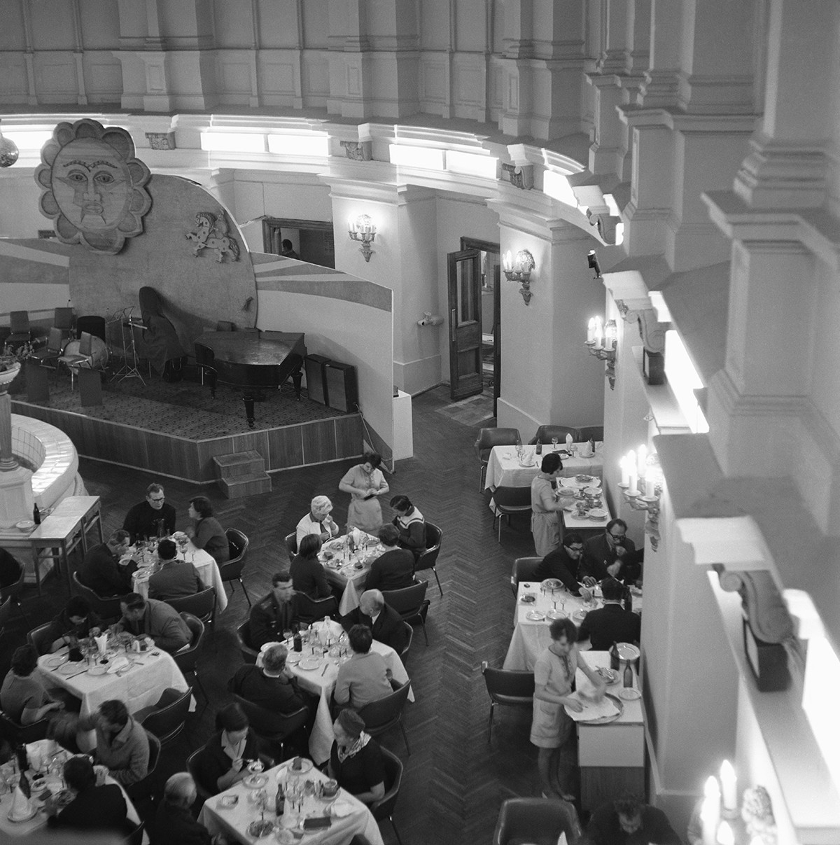 Restaurant Slawjaansky Basar in Moskau, 1968.