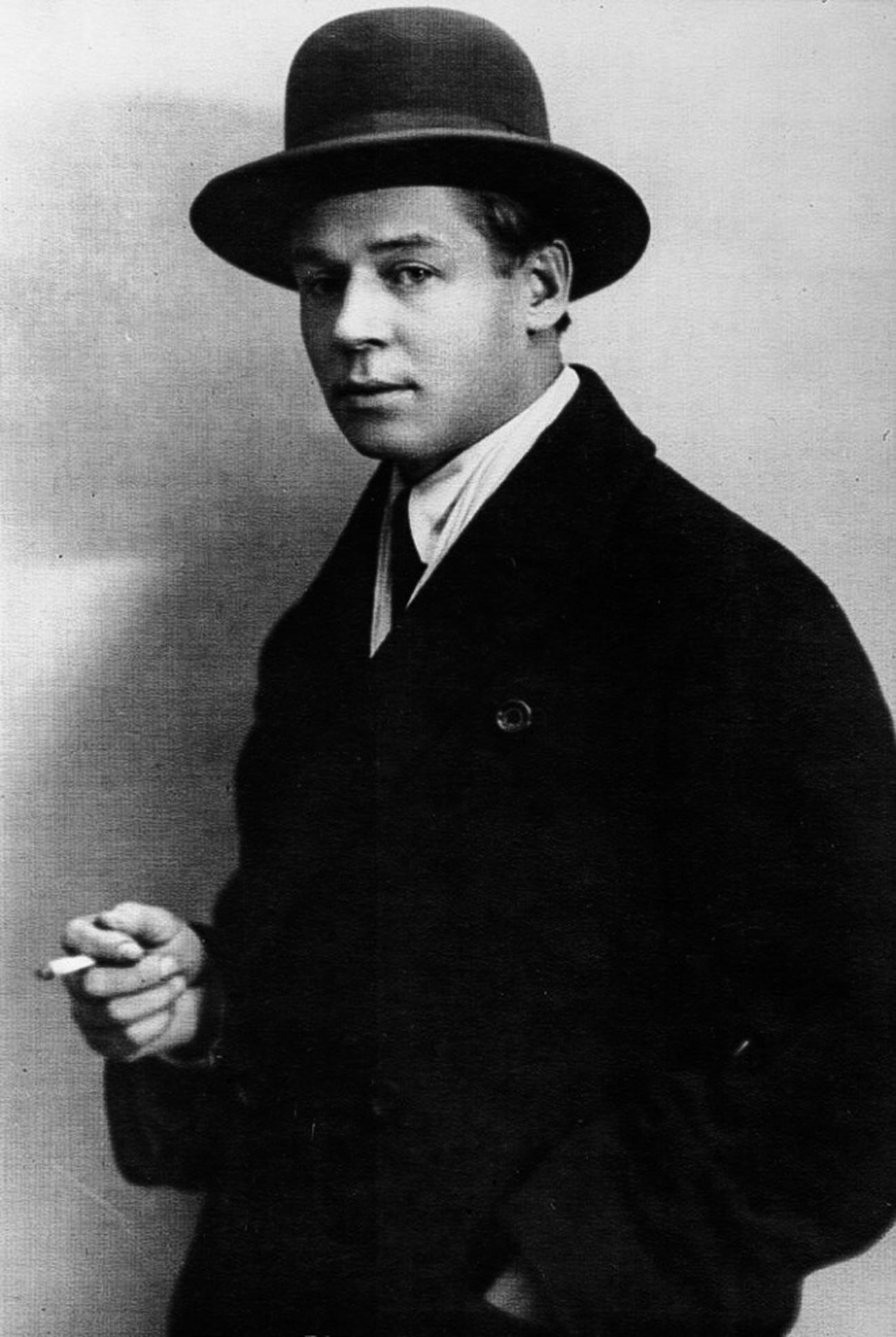 Silver age poet Sergei Yesenin, 1910s