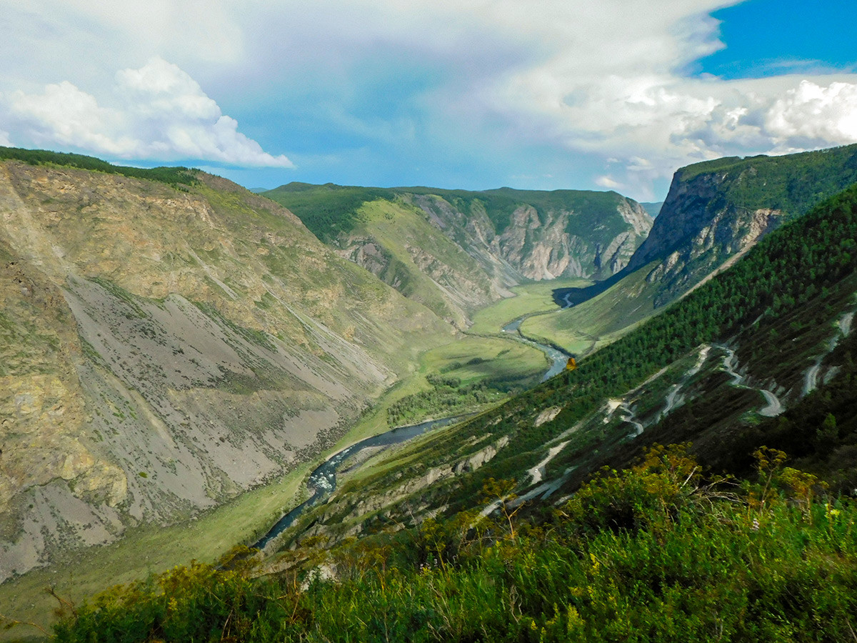 The Katu-Yaryk pass