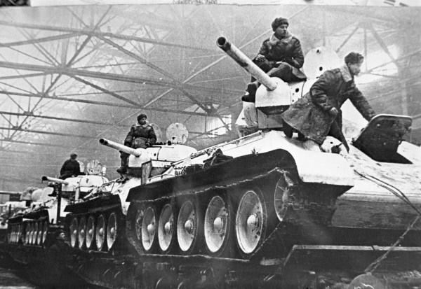 Constructor: M. I. Koshkin  Producción al final de la guerra: más de 35.000 unidades