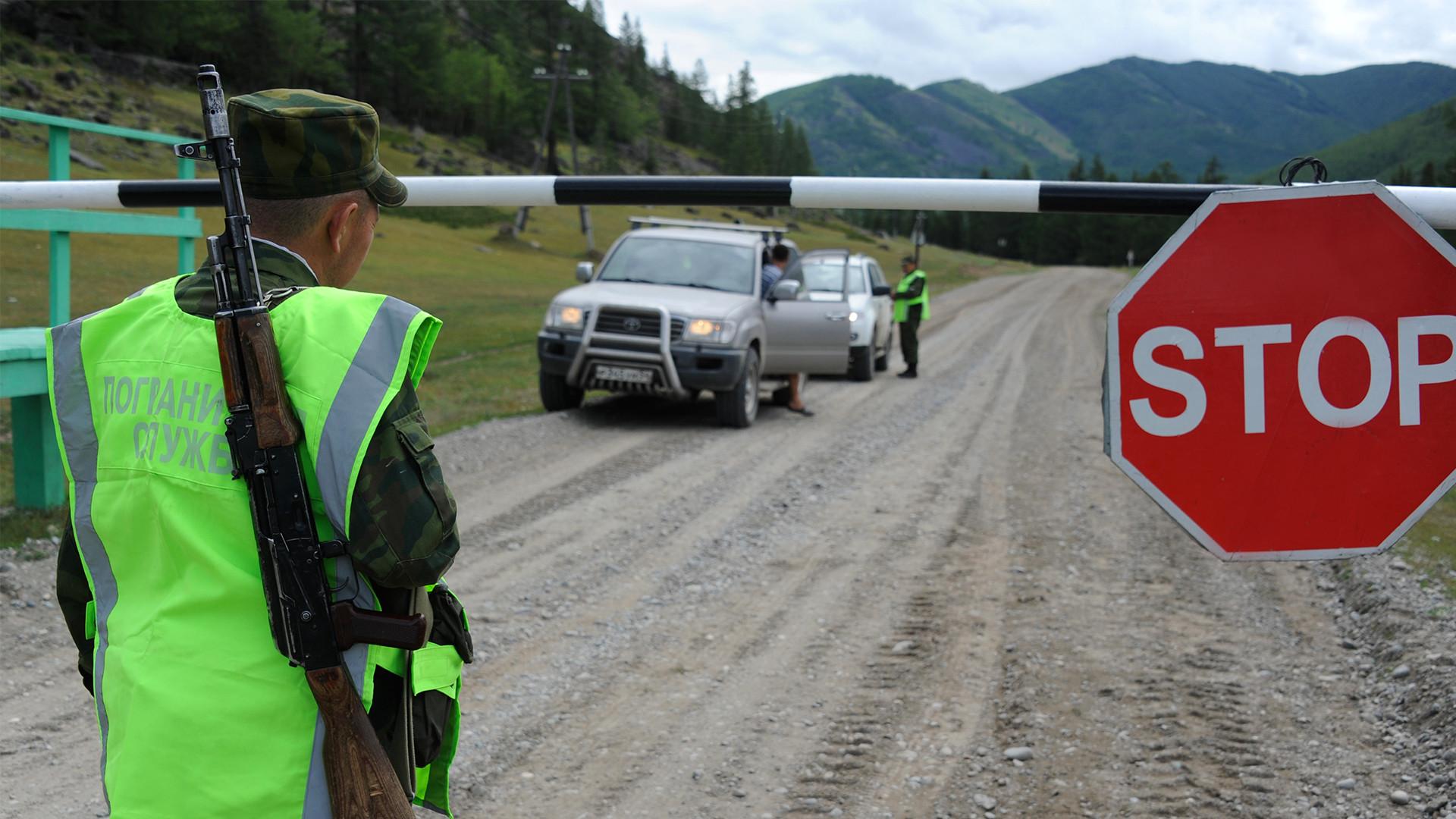 Point frontalier en République de l'Altaï, à la frontière russo-mongole