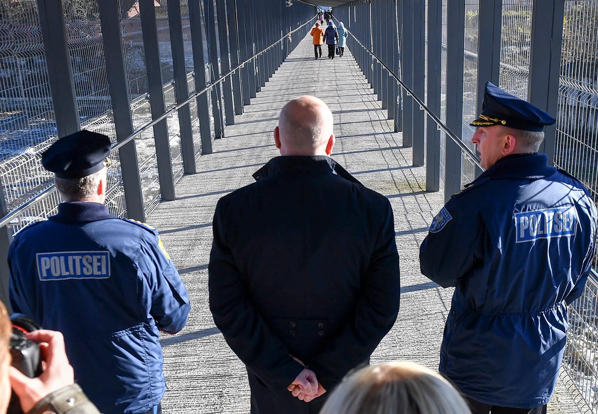 A pedestrian bridge to cross the Russian-Estonian border in Ivangorod (Narva-2)