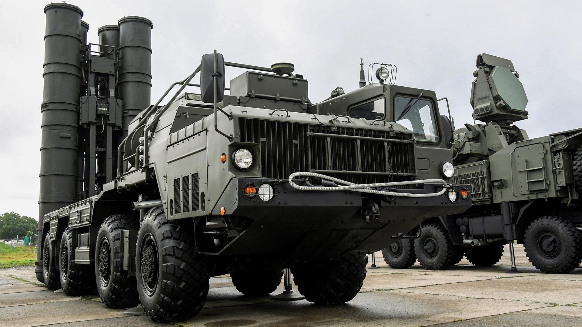 """С-400 """"Тријумф"""""""