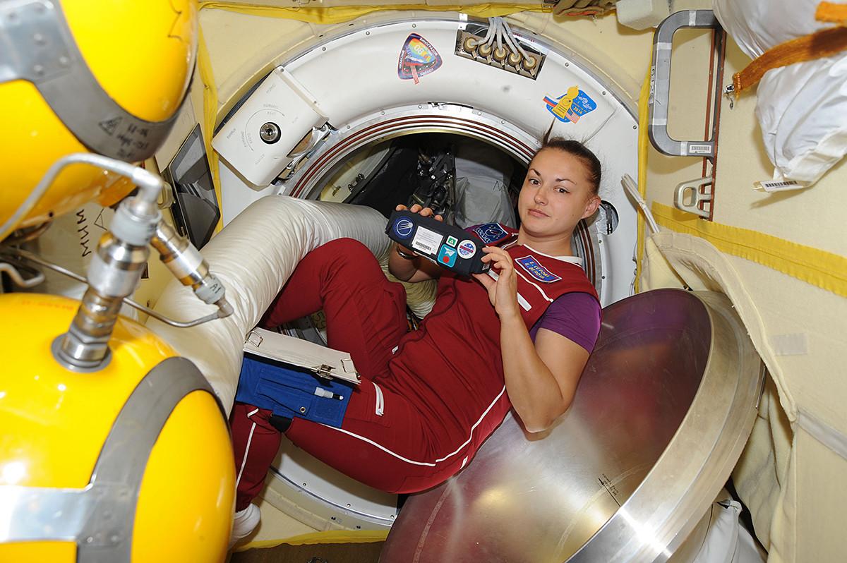 Elena Serova a bordo della Stazione Spaziale Internazionale