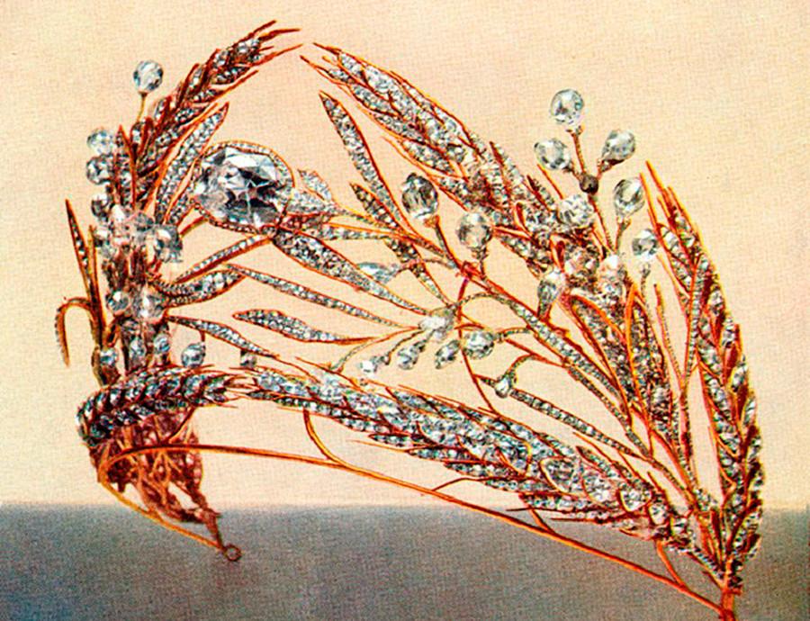 """Il diadema """"fascio di grano"""", foto scattata per l'asta"""