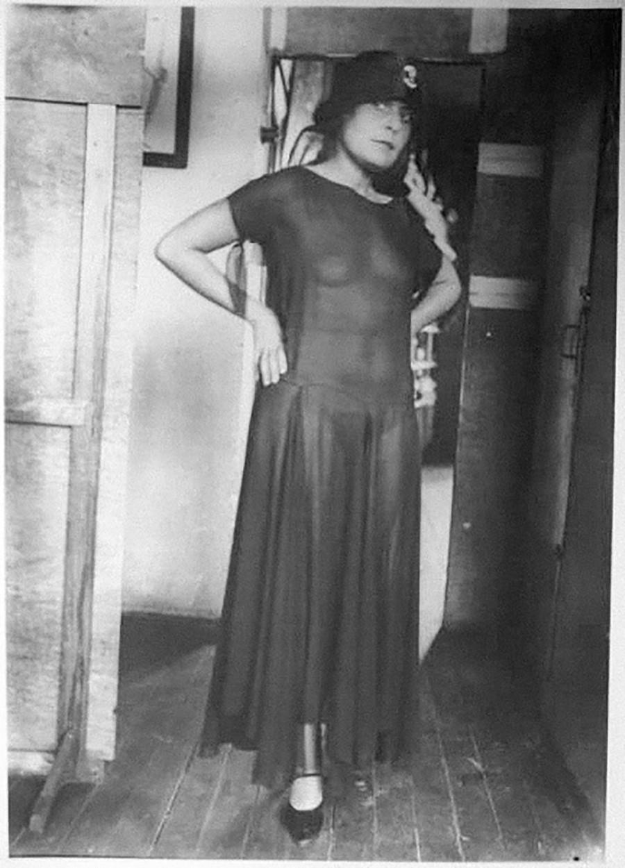 ソ連アヴァンギャルドのセックスシンボル―リーリャ・ブリーク