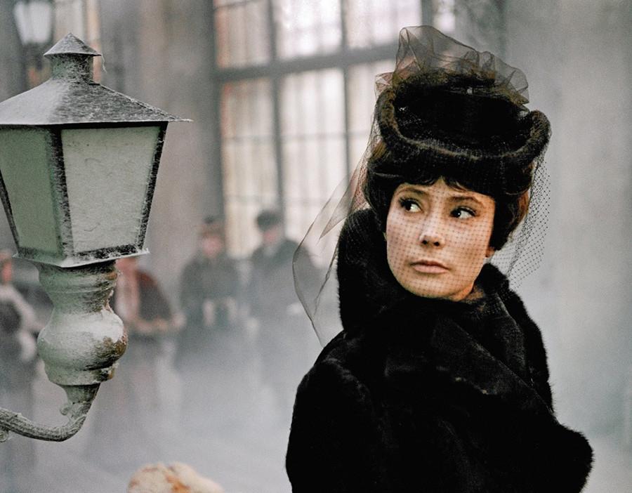 映画「カレーニナ」でアンア・カレーニナ役を演じるサモイロワ
