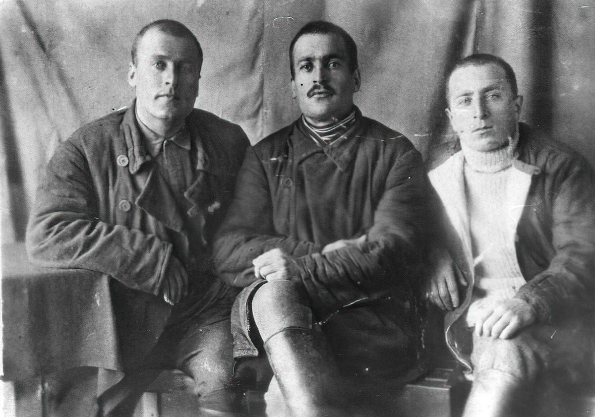 Prisonniers d'un camp de la Kolyma vers 1937-1938