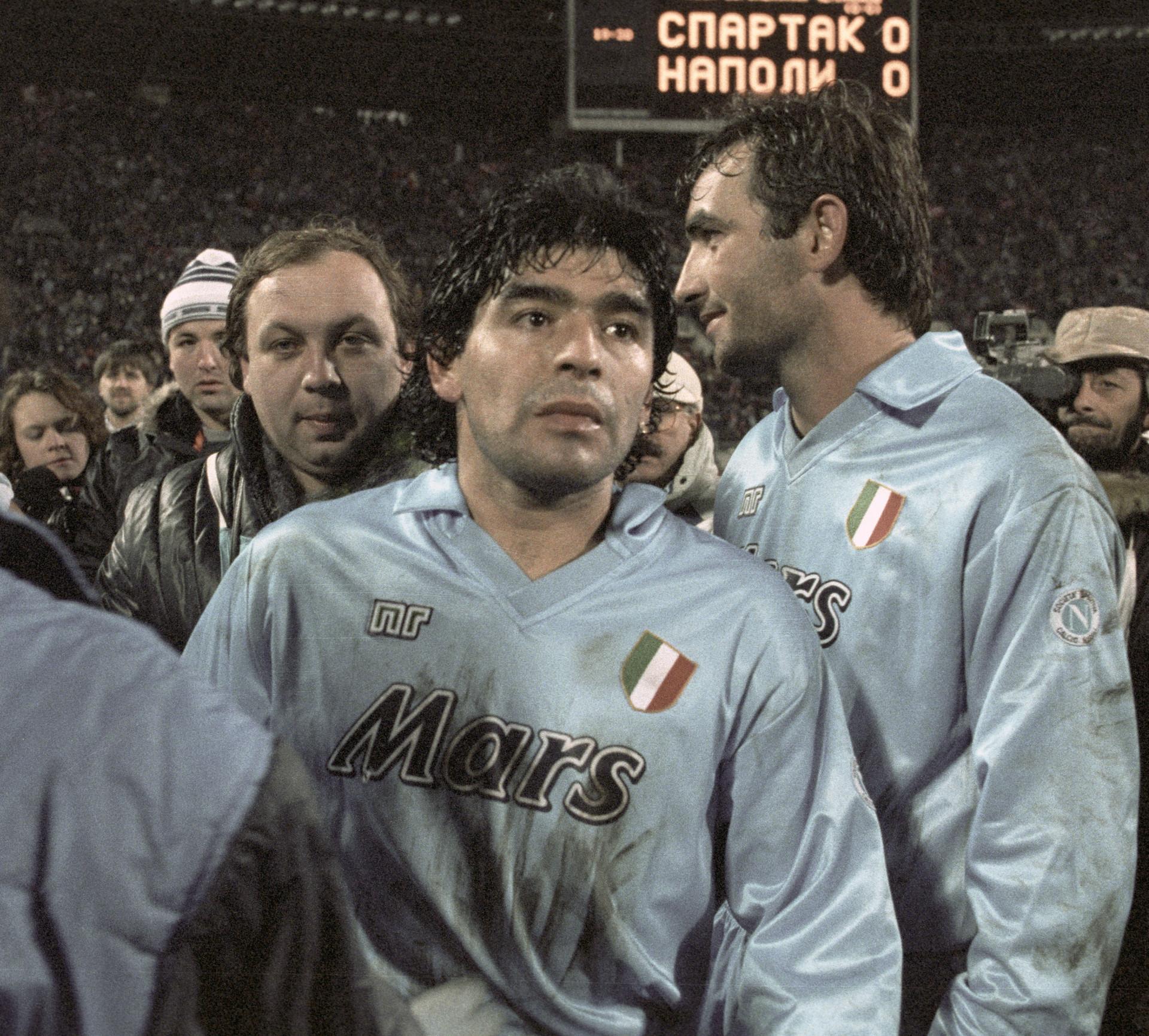 Diego Maradona dopo la sconfitta del suo Napoli contro lo Spartak per 5-3 ai rigori il 7 novembre 1990