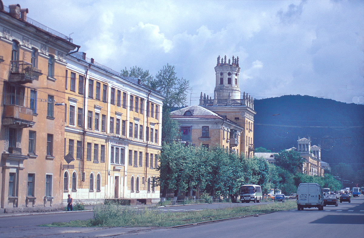 Apartment buildings (post-war), Karl Marx Street Nos. 10, 8, 4. July 16, 2003