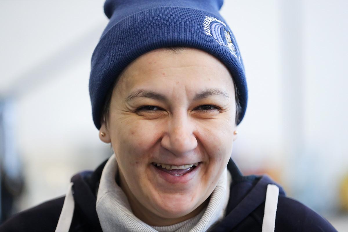 チームの監督であるマリア・オノルバエワ
