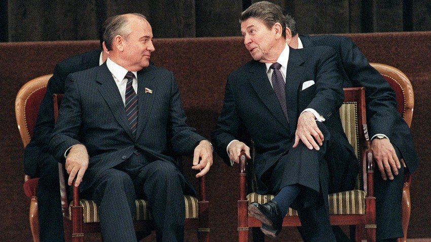 U.S. President Ronald Reagan and General Secretary of the Communist Party of the Soviet Union Mikhail Gorbachev.