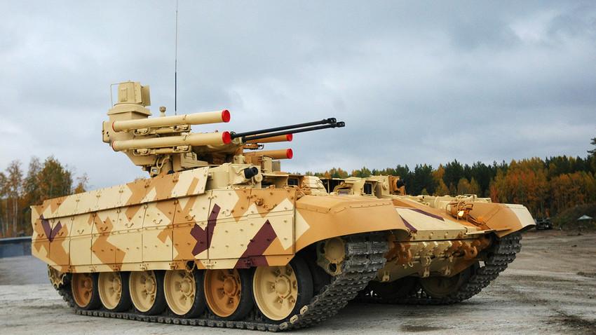 """Борбено возило за подршку тенкова БМПТ """"Терминатор""""."""