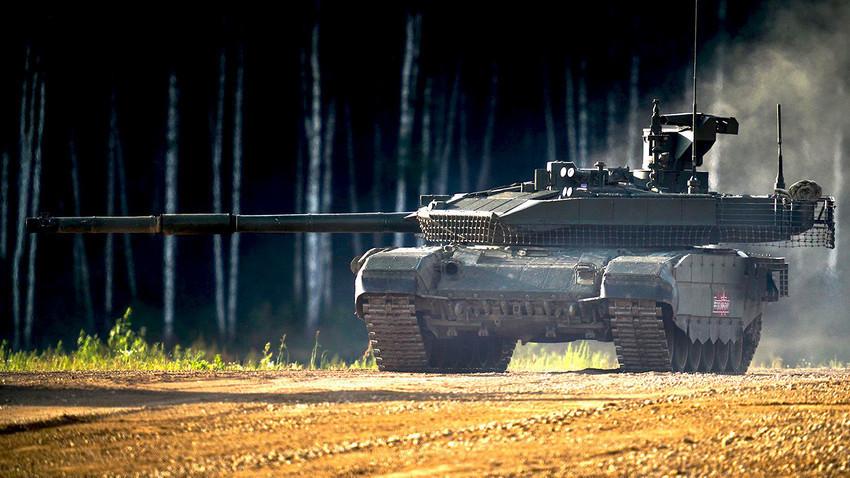 "Т-90 на ""Армия-2018"""