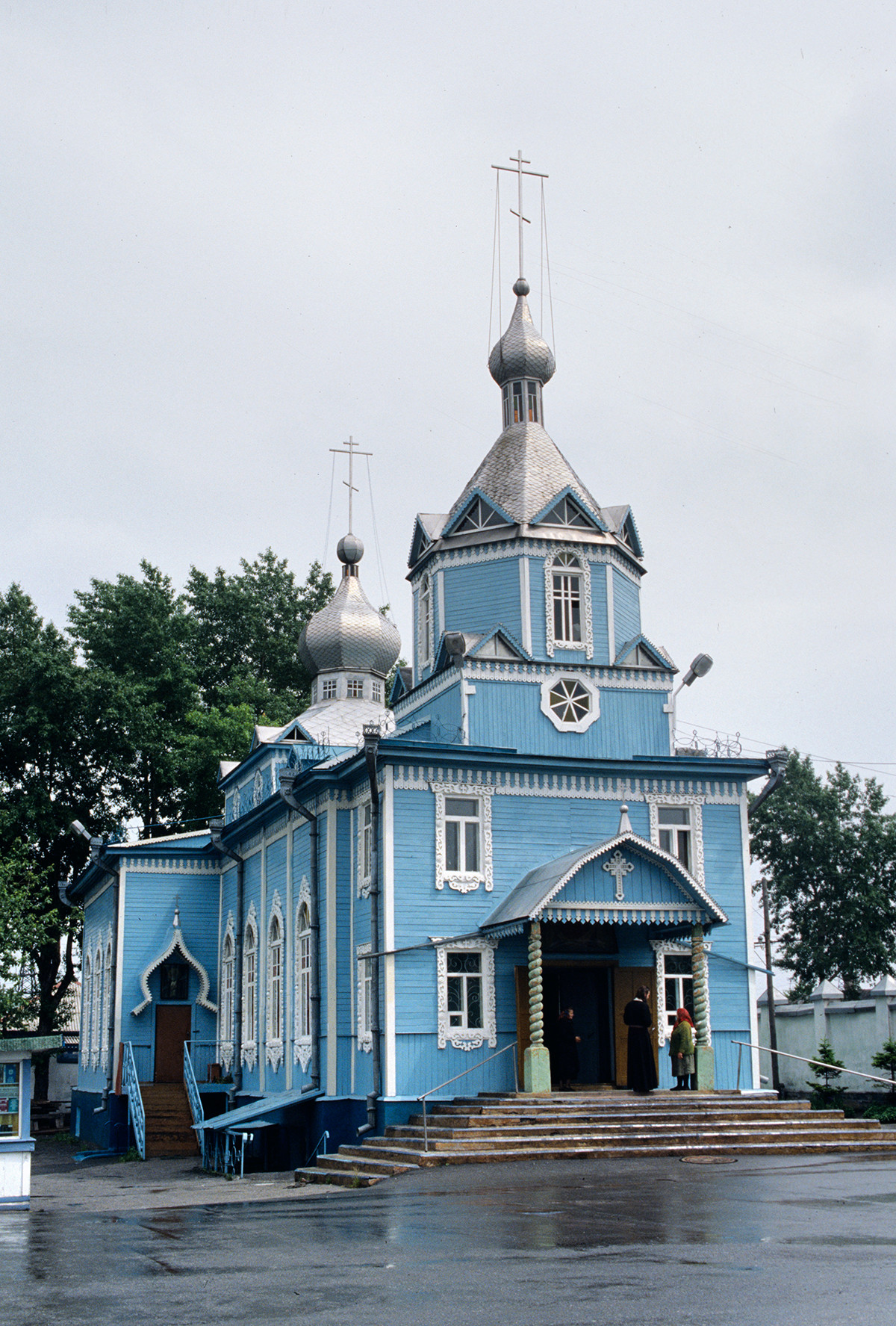 Church of the Protection of the Blessed Virgin in Prokopyevsk, Kemerovo Region, rebuilt in 1979-1983 from a prayer house