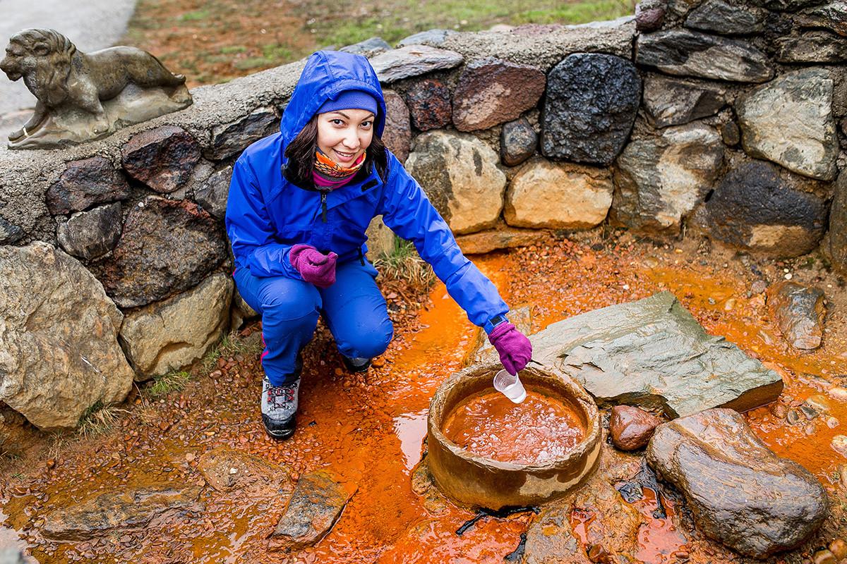 Газирана минерална вода са извора Нарзан.
