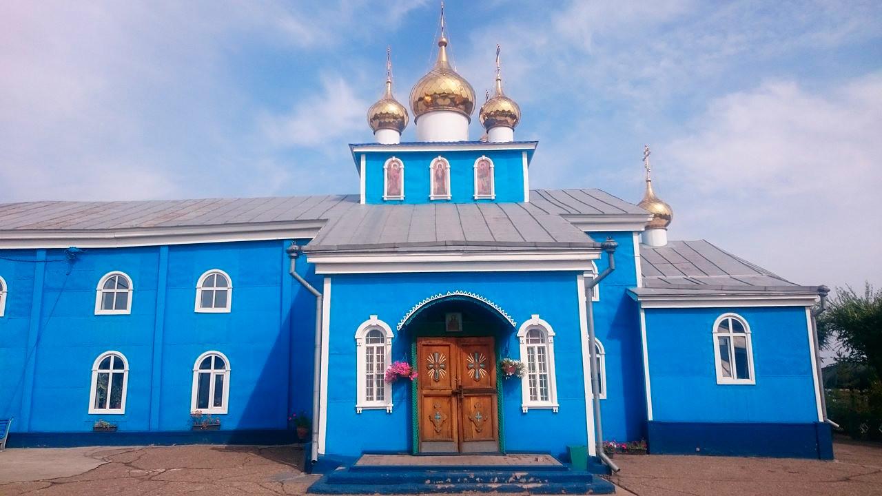 Katedrala nadangela Mihaela v Karagandi (danes Kazahstan), zgrajena v letih 1946-54