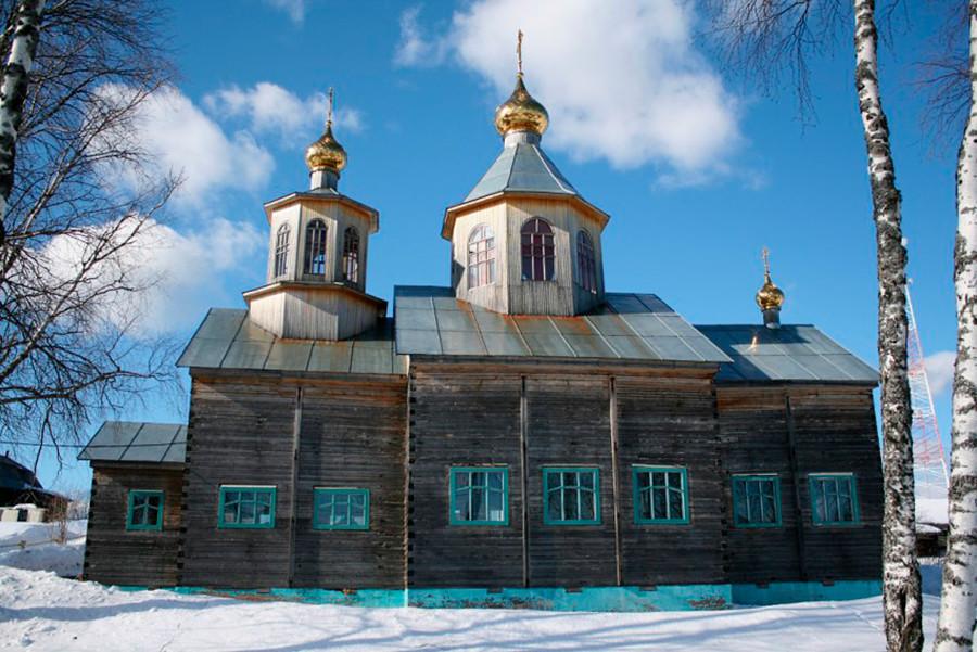 Cerkev Preobraženja Odrešenika v Ajkinu v republiki Komi, zgrajena leta 1956