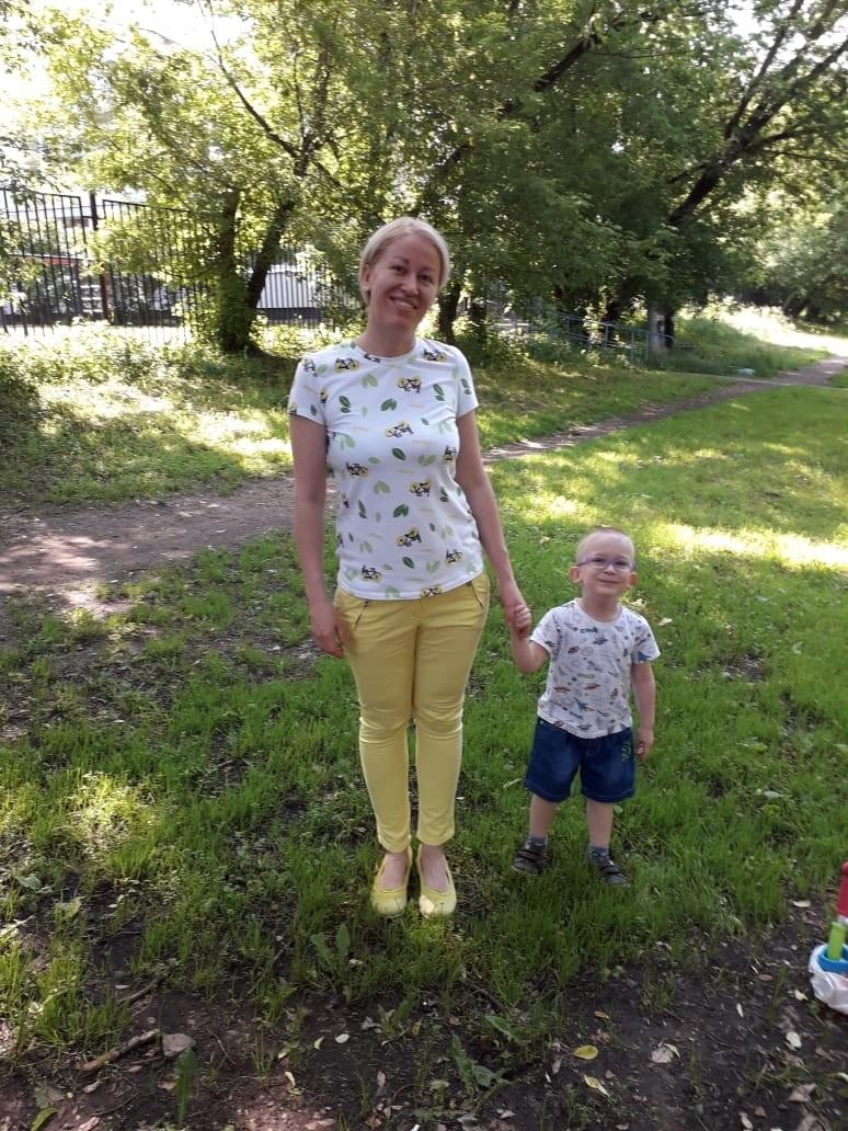Жена и син Бранислава, Викторија и четворогодишњи Иван