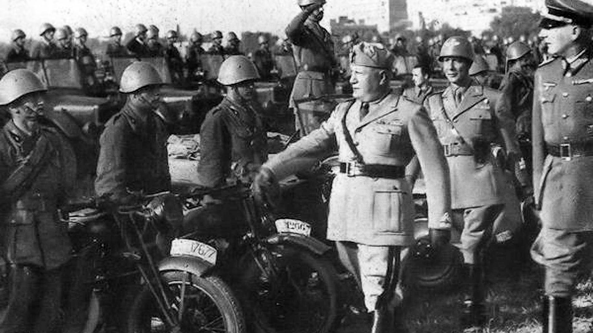 Benito Mussolini visits Italian troops on the Eastern front.