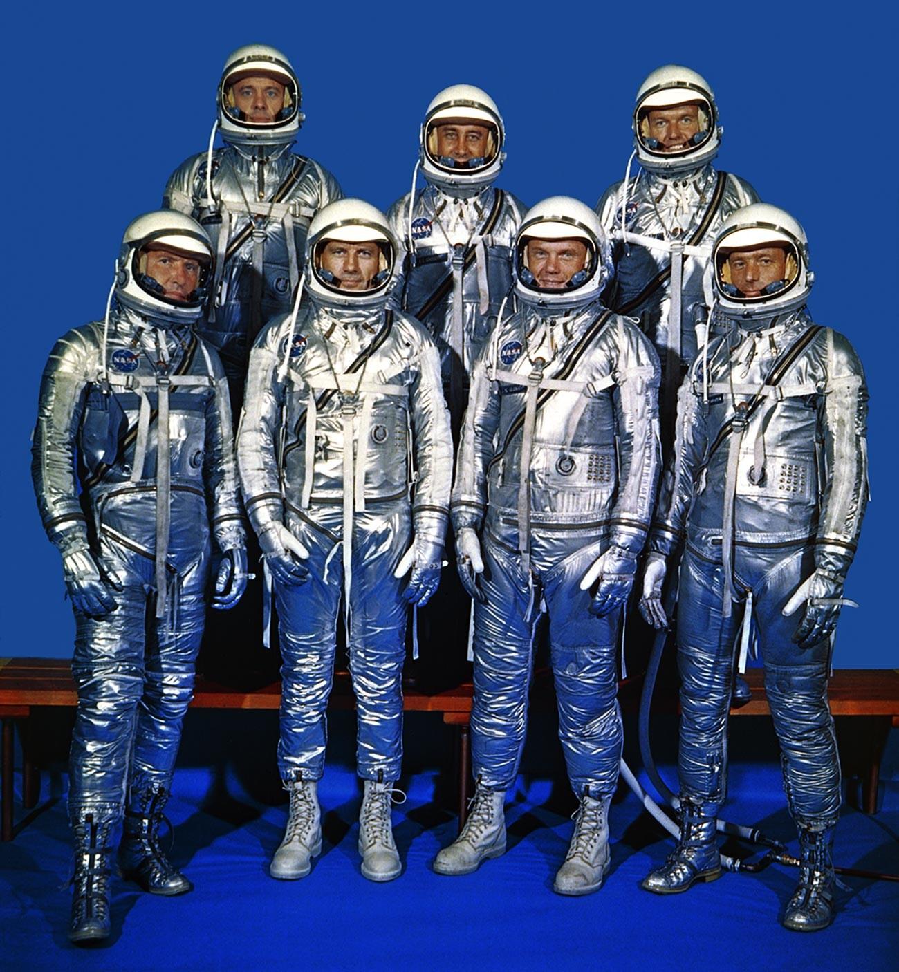 Les sept premiers astronautes du monde, sélectionnés par la NASA
