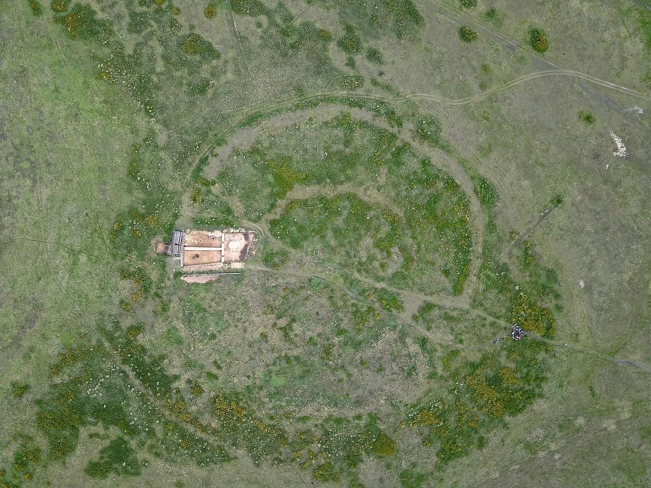 O sítio arqueológico visto de cima.