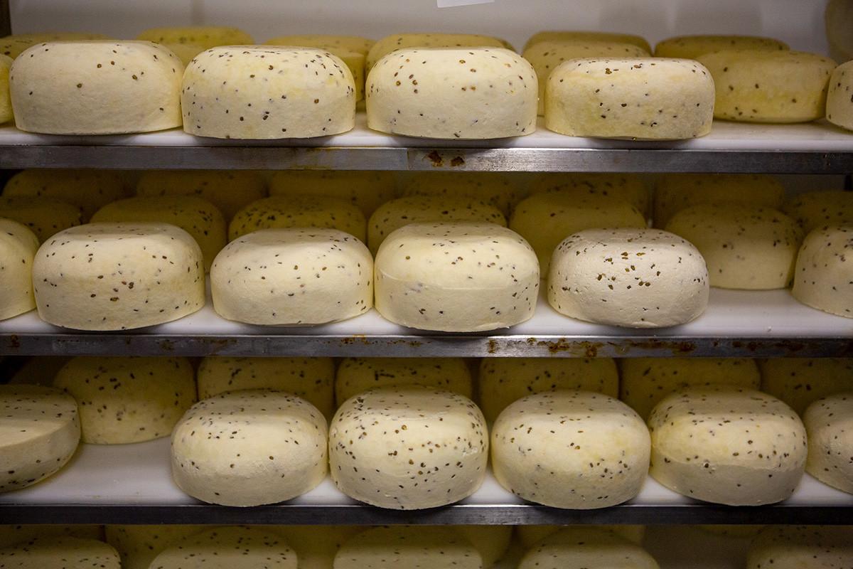 Сыр ждет созревания.