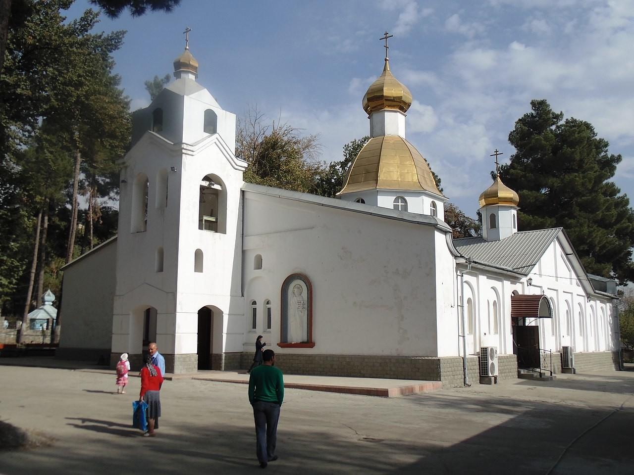 Cattedrale di San Nicola a Dushanbé (tra il 1929 e il 1961, Stalinabad), Tagikistan (allora Repubblica Socialista Sovietica Tagika), costruita nel 1943