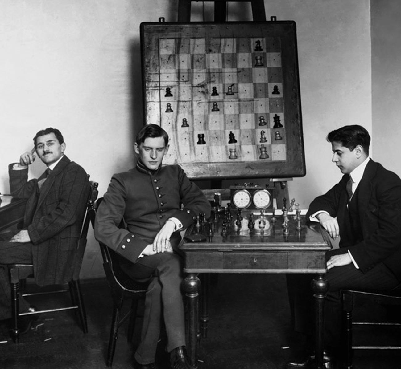 Alekhine vs José Raúl Capablanca, 1914.