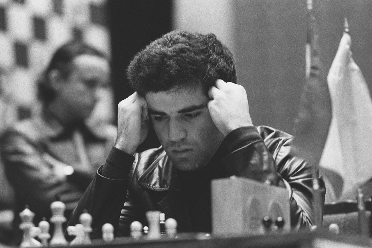 Garri Kasparov al 12° torneo di Scacchi di Mosca, 1982