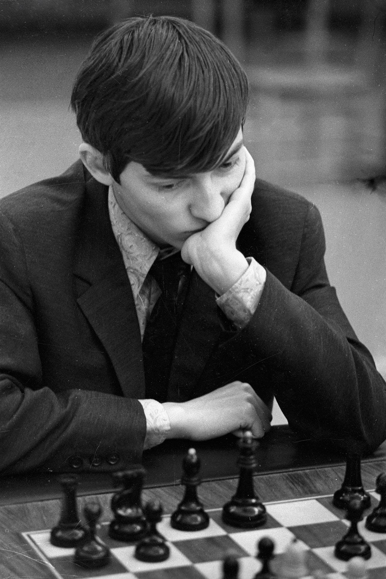 Karpov durante il Campionato del Mondo juniores, 1969