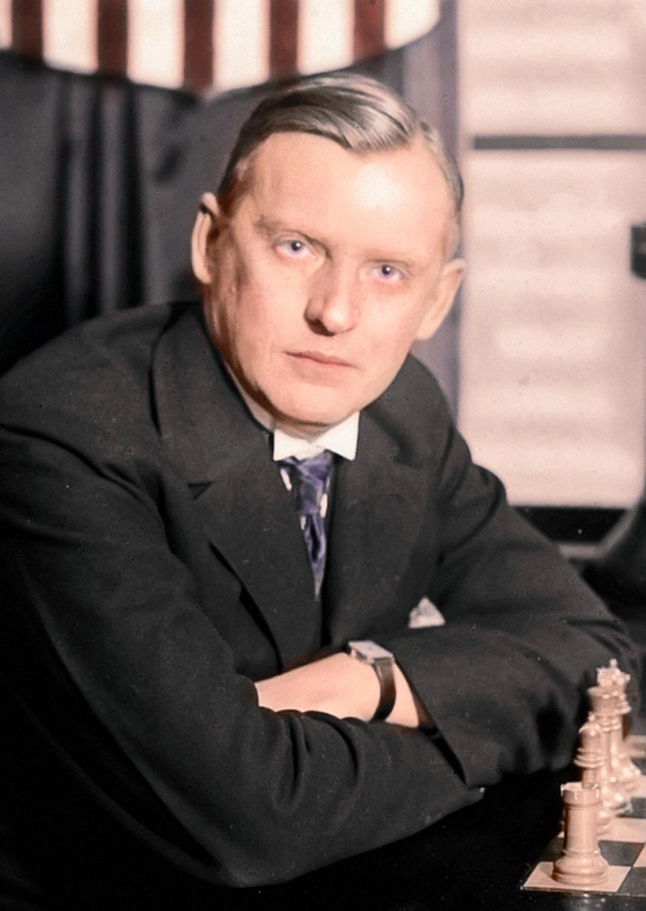 Aleksandr Alekhin ha lasciato un'enorme eredità di 20 libri sugli scacchi