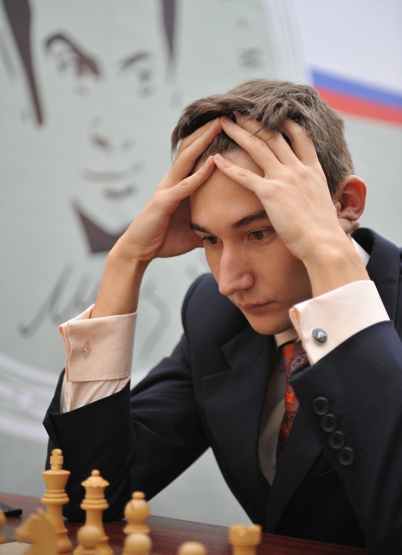 A 12 anni, Karjakin è entrato nel Guinness dei primati per essere diventato il più giovane Gran Maestro della storia