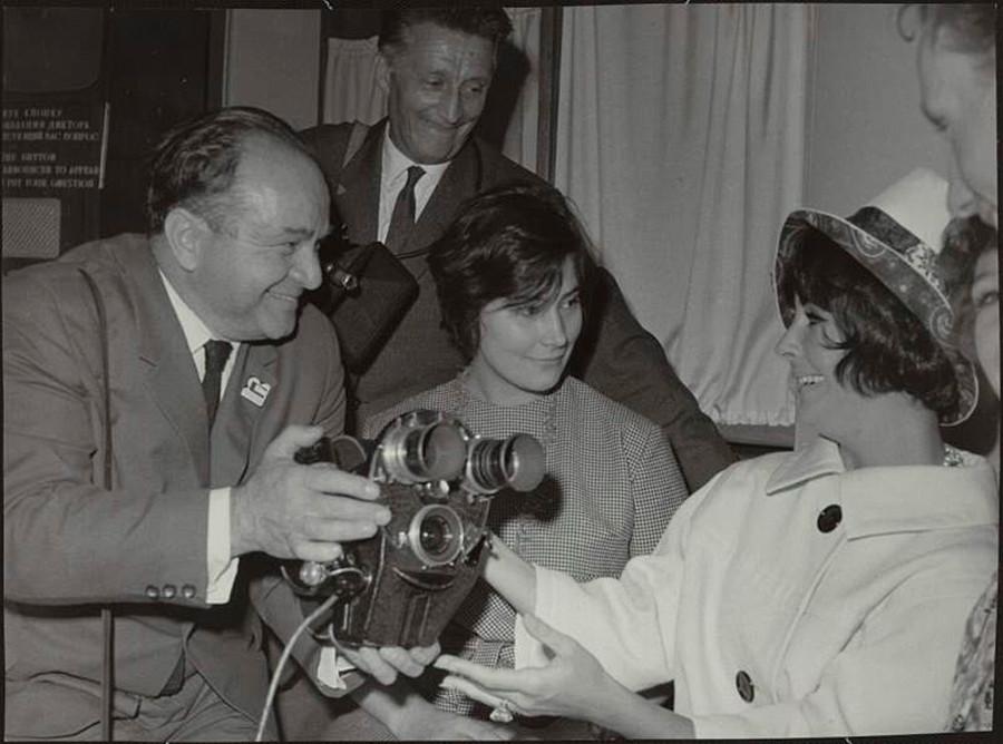 Elizabeth Taylor, Tatyana Samoilova and Soviet cameraman Abram Krichevsky
