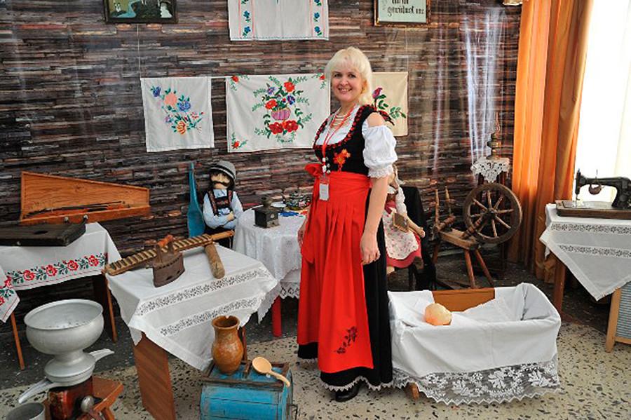 Marina v muzeju Azovo.