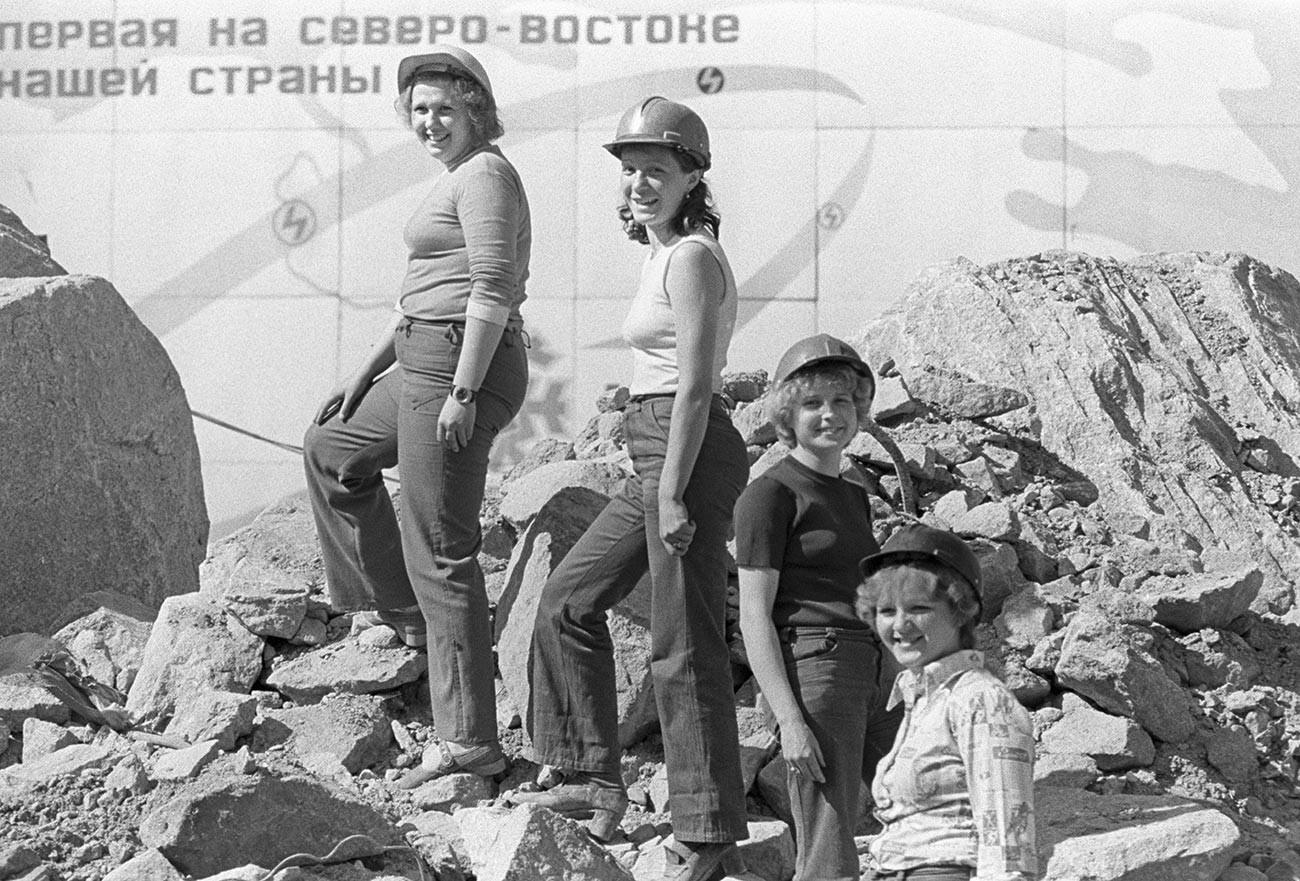 Izgradnja Kolimske hidroelektrane, Daleki istok, Magadanska oblast, Sinjegorje.