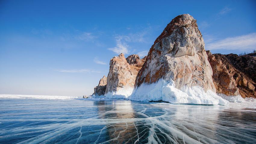 Najlepši led je na Bajkalskem jezeru, kaj pravite?