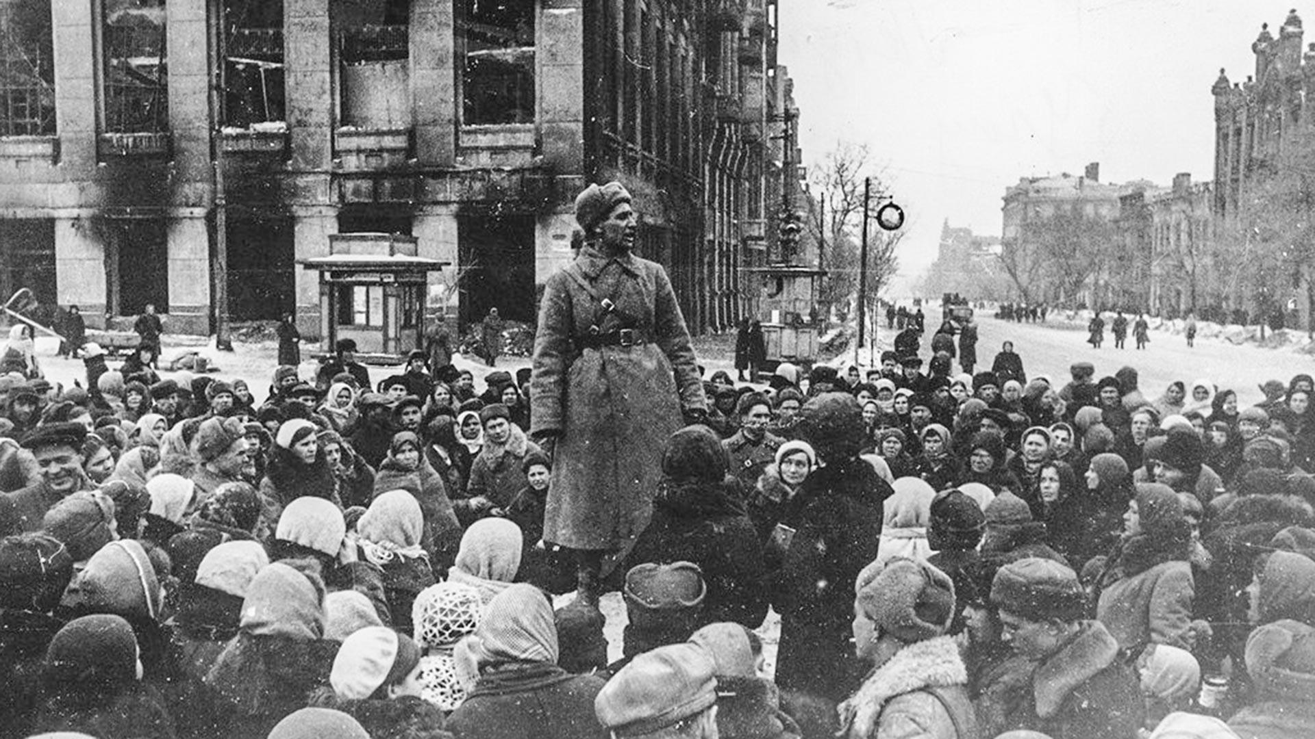 Митинг в освободения Ростов на Дон