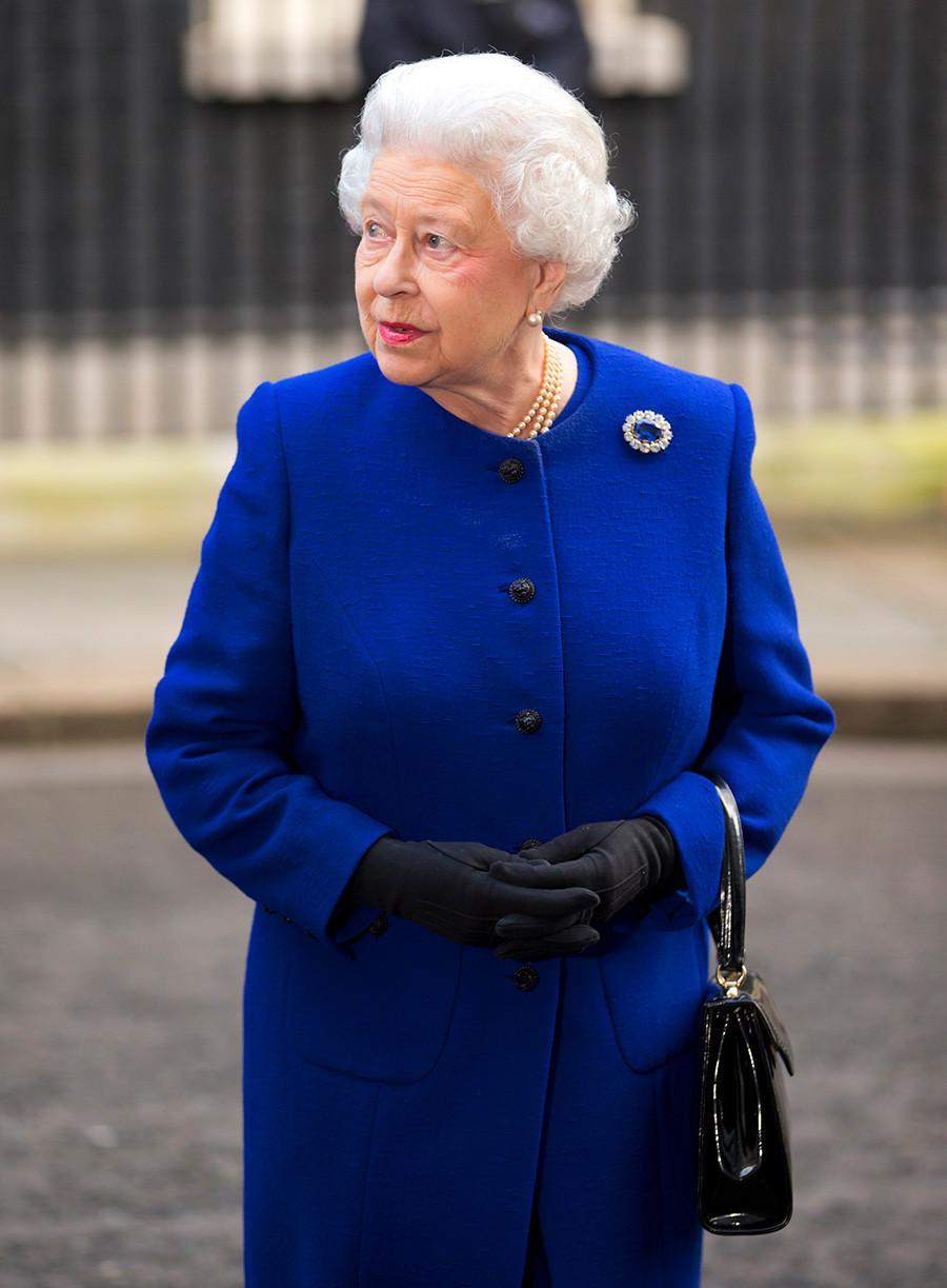 Кралица Елизабет II след заседание на кабинета на министрите, Лондон, 18 декември 2012 г.