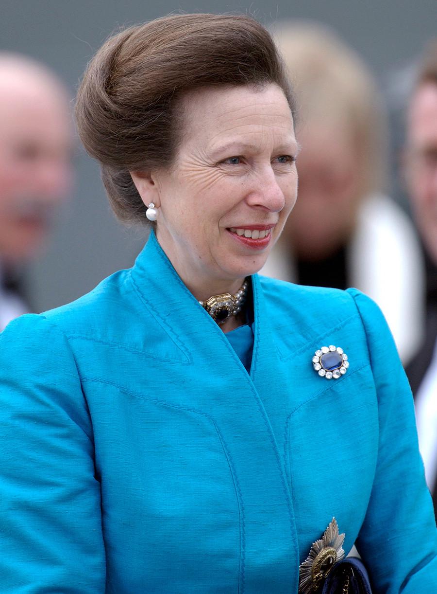 Принцеса Ан присъства на церемонията по именуването на корабите P&O  Oceania и Adonia, 2003.
